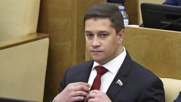 Депутаты ЛДПР решили оставить детей-сирот без жилья, но вовремя передумали