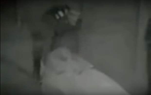 Секретное видео КГБ показало найденную в 1961 году мумию пришельца