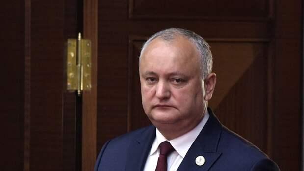 Додон призвал не трогать вопрос с миротворцами в Приднестровье