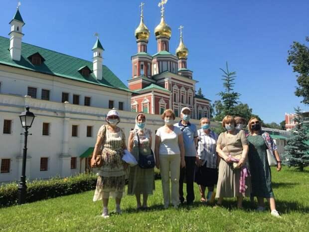Пенсионеры из Савеловского посетили Новодевичий монастырь