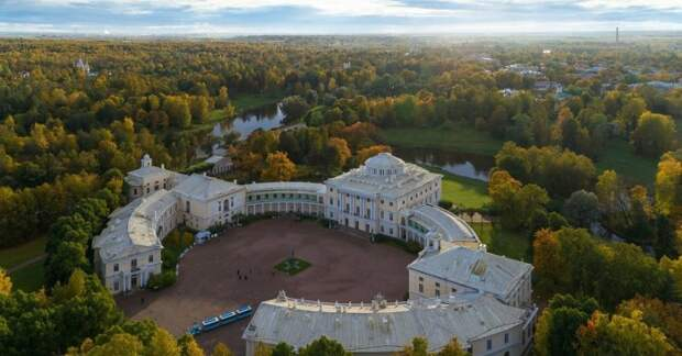 Дворцово-парковый ансамбль в Павловске./Фото: cs6.ru