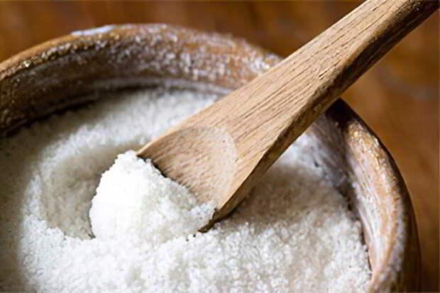 Массаж головы крупной солью