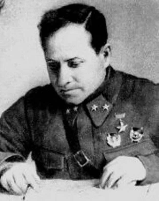"""""""Таких, как Власов, были единицы, большинство советских военачальников остались верны Долгу и присяге"""""""