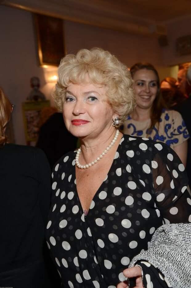 Мать Ксении Собчак призналась, что ей неловко за прошлое дочери