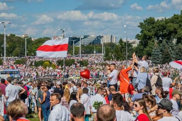 Беларуси предрекли сценарий похуже венесуэльского