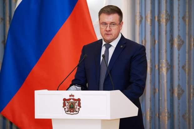 Николай Любимов вручил госнаграды медицинским работникам