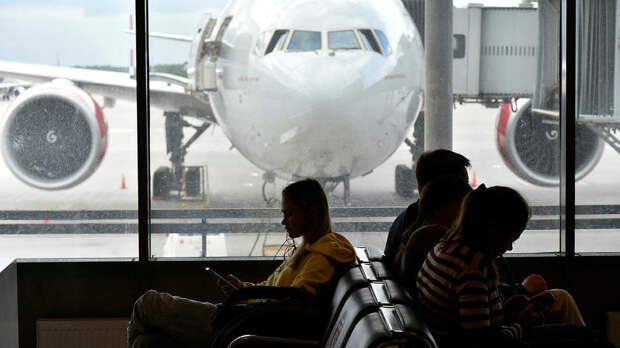 Россиянам советуютотказаться от курортов вобъявленные нерабочие дни