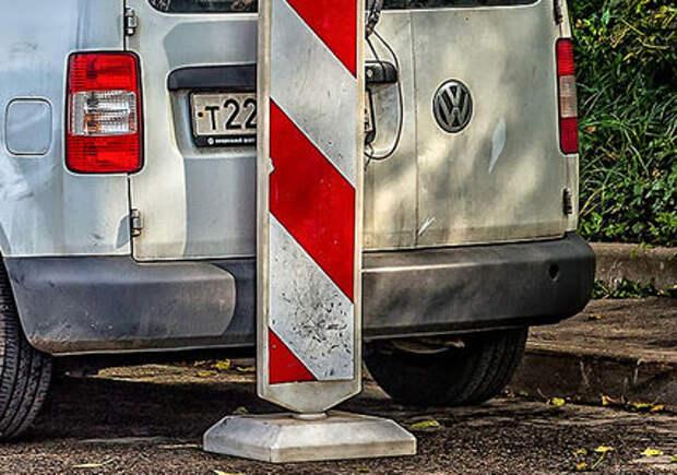 Искусственная грязь, шторки, магниты — все способы скрыть номер на парковке
