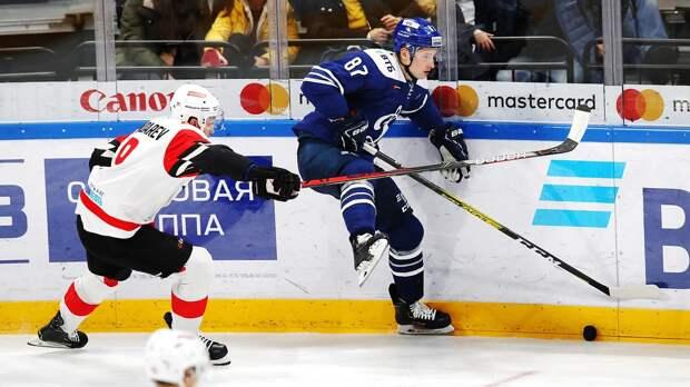Топ-клубы КХЛ хотели усыпить зрителей, новсе испортил Шипачев. «Динамо»— второе наЗападе