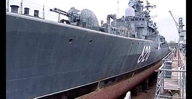 """Музей на базе эсминца """"Беспокойный"""" ошвартуется в Кронштадте"""