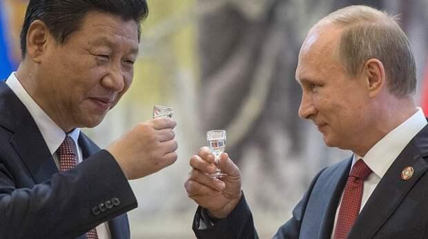 Путин продал Китаю весь лес, а теперь сливает туда же золотовалютные резервы России!!!