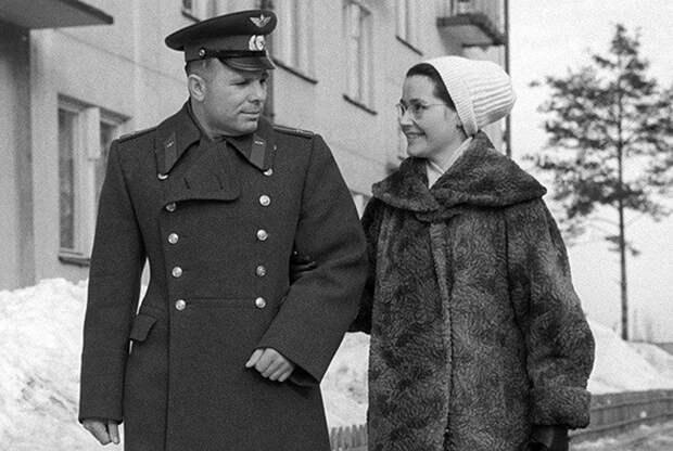Юрий и Валентина Гагарины.