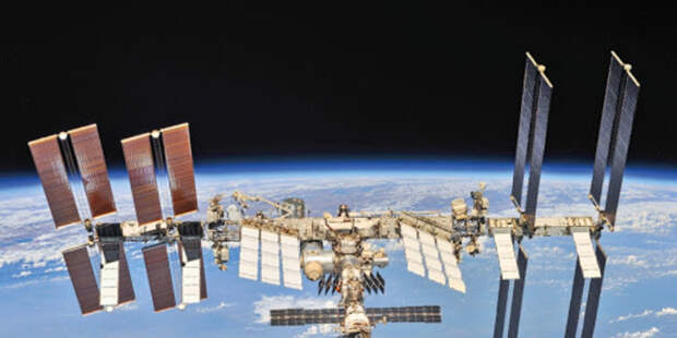 Ракета «Союз» с кораблём летят к МКС