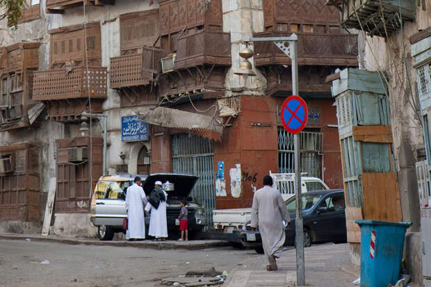 Двое пострадали при взрыве на немусульманском кладбище в Саудовской Аравии