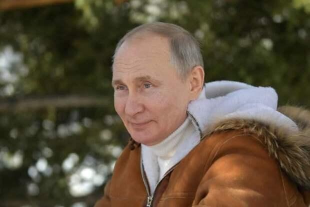Путин рассказал о своем падении с лошади