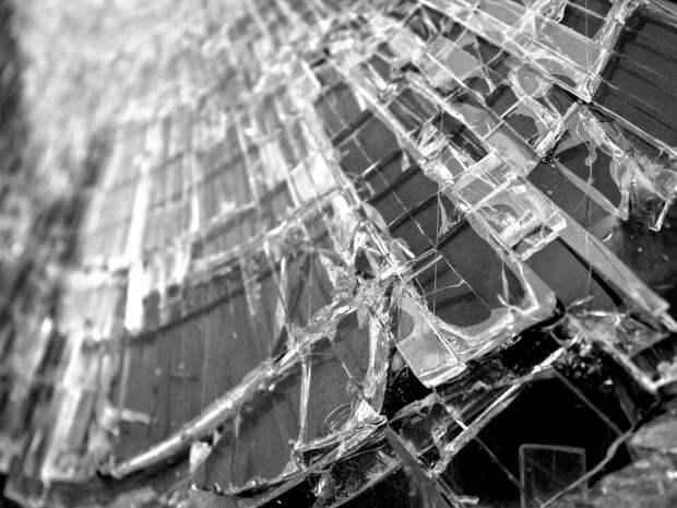 На Новокуркинском шоссе такси попало в аварию