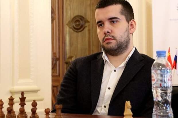Российский шахматист Непомнящий досрочно выиграл турнир претендентов