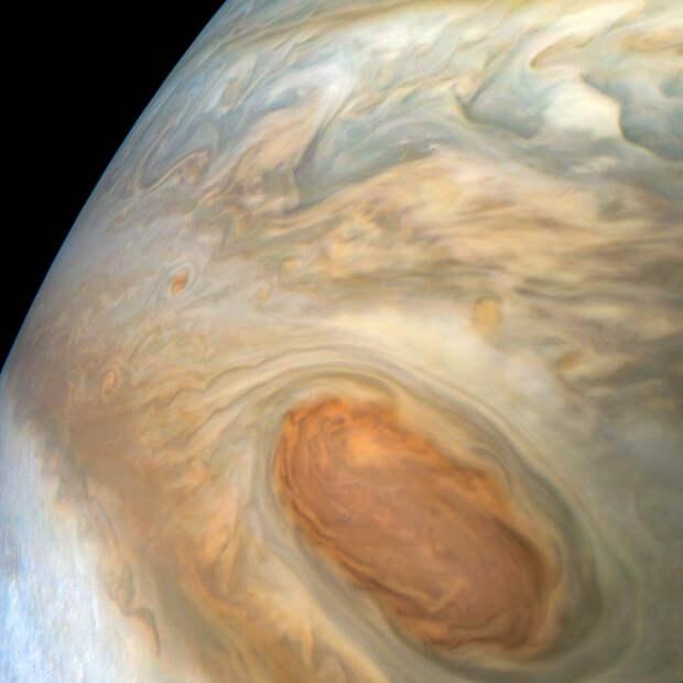 Juno приблизился к половине своей юпитерианской миссии