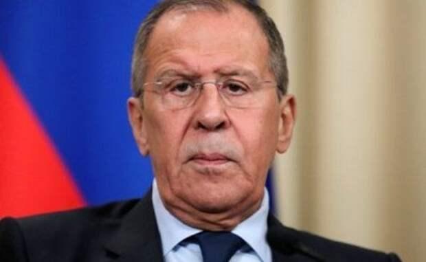 Лавров призвал кнезамедлительному прекращению огня вКарабахе