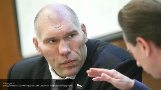 Новость о смерти Абдулманапа Нурмагомедова огорчила Валуева
