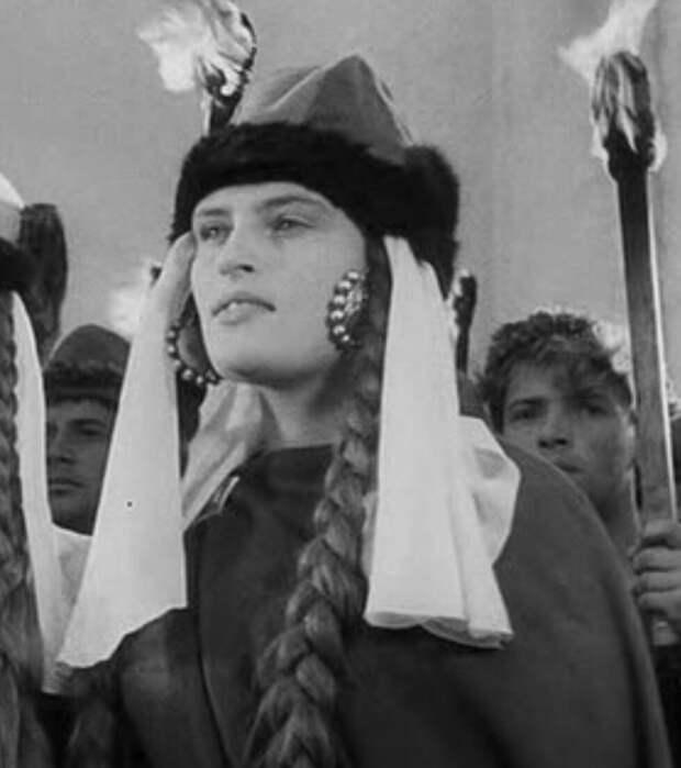 Истинно русская красота и судьба актрисы Александры Даниловой