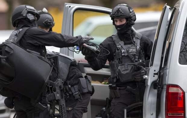 Немецкая полиция задержала двух исламистов, которые могут быть убийцами сирийского офицера