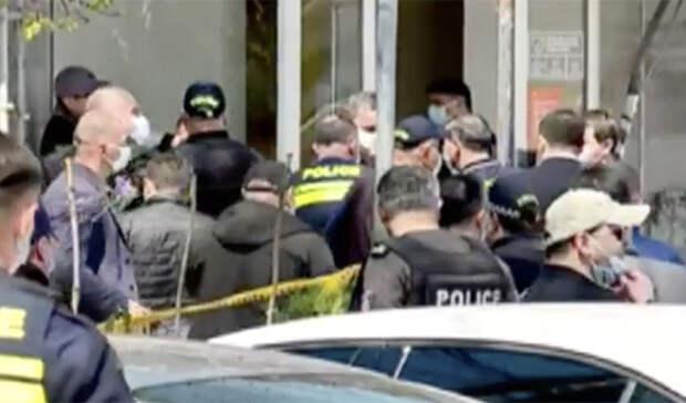 В Тбилиси освободили захваченных заложников