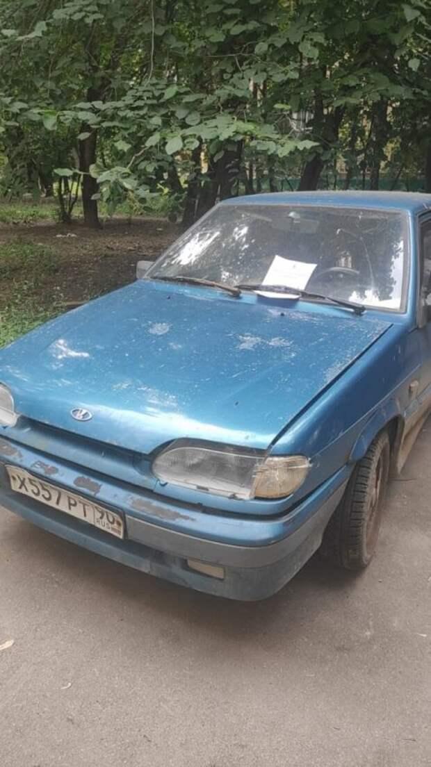 На Онежской был обнаружен брошенный автомобиль