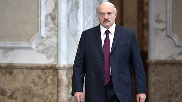 Президент Белоруссии объяснил свое решение не делать прививку от COVID-19