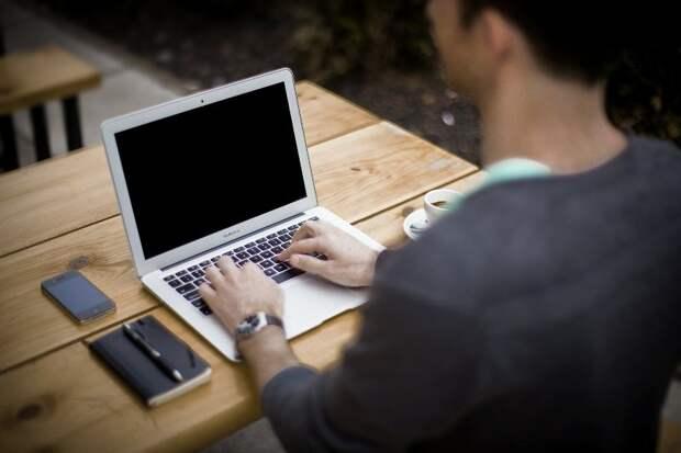 Срок уведомления работников о переходе на цифровые трудовые книжки продлен