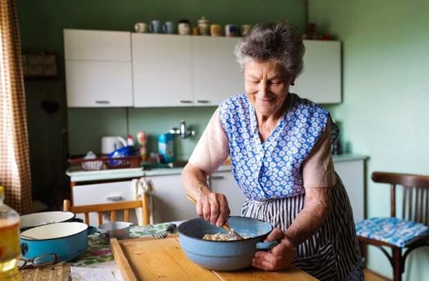 Кузбасская пенсионерка получила выплаты по партбилету 1975 года