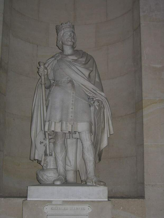 800px-Statue_de_Charles_Martel_au_château_de_Versailles.JPG