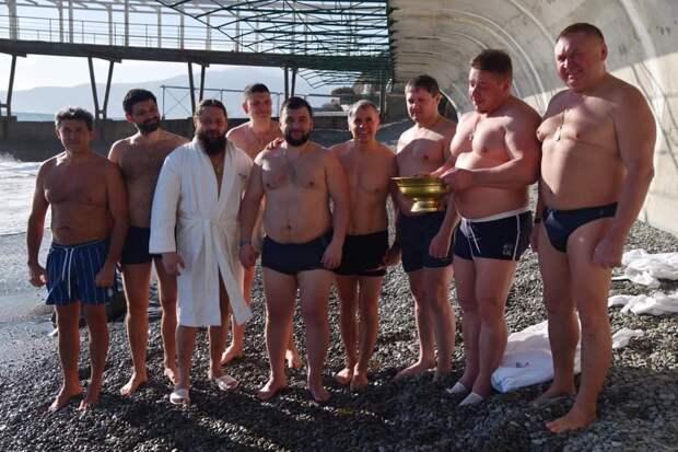 Глава ДНР в Крыму навестил Белавенцева и омылся с Константиновым
