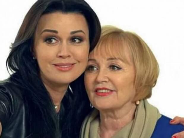 Потеря любимого супруга, сына, снохи и страшный недуг дочери: нелёгкая судьба мамы Анастасии Заворотнюк