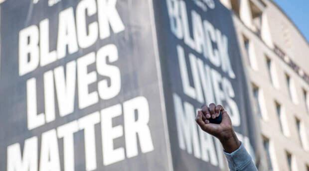 В США полицейские продолжают убивать афроамериканцев
