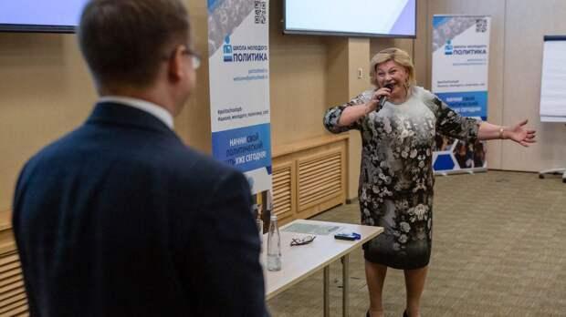 Участники «Школы молодого политика» встретились с Еленой Драпеко
