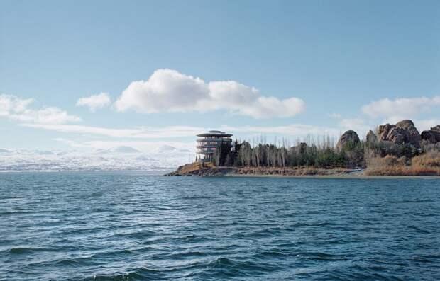 Дача Президиума Верховного Совета СССР на озере Севан, Армения