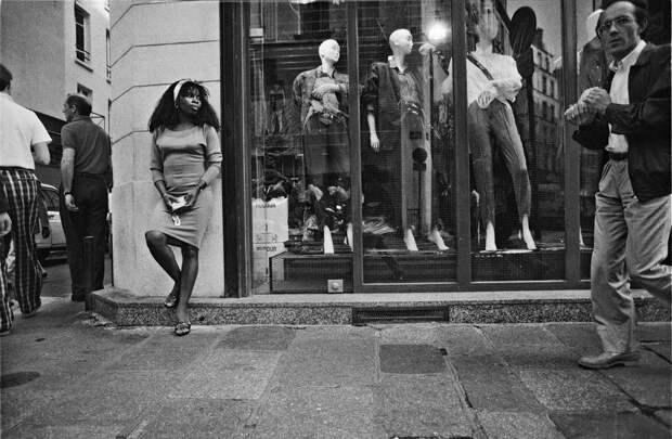 Труженицы секс-индустрии с улицы Сен-Дени. Фотограф Массимо Сормонта 19