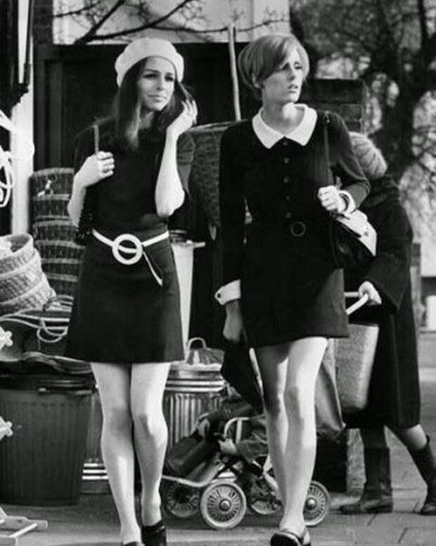 Француженки прогуливаются по улицам Парижа, Франция, 1960 год знаменитости, исторические фотографии, история, редкие фотографии, фото