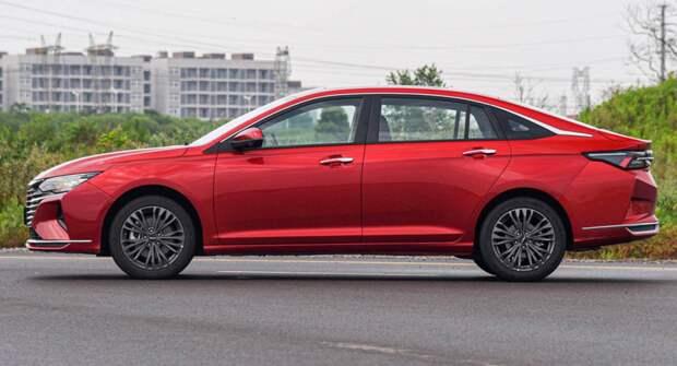 Компания Dongfeng запустила производство нового седана в Китае