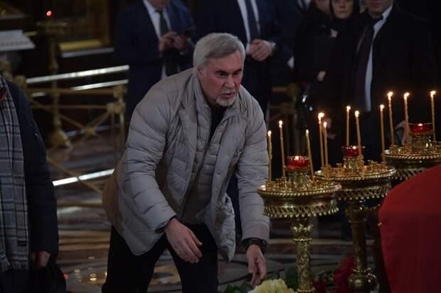 Меладзе дал задний ход призыву игногрировать новогодние шоу, но только разжег дискуссию