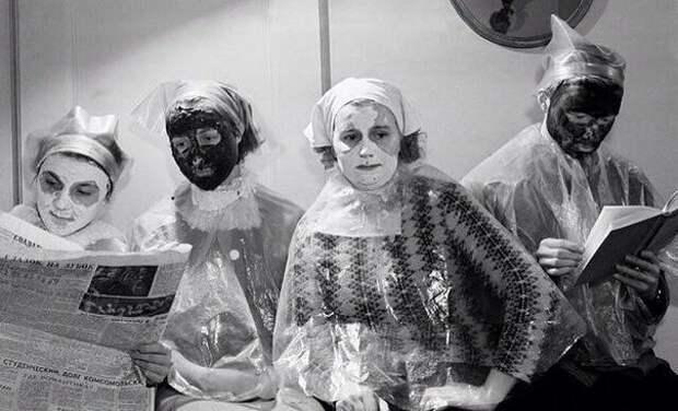 В салоне красоты. Москва, 1963 год знаменитости, исторические фотографии, история, редкие фотографии, фото