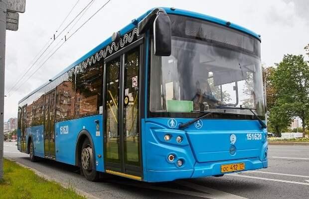На троллейбусный маршрут № 43 вышли автобусы Фото с сайта mos.ru