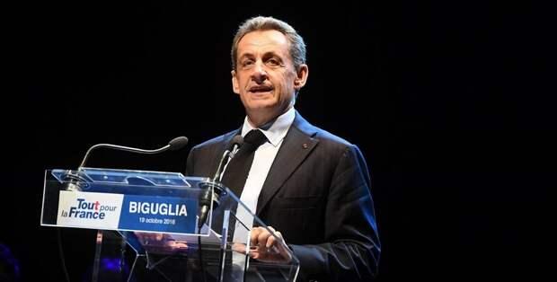 1 год в тюрьме плюс 2 года условно: в Париже осудили бывшего президента Саркози