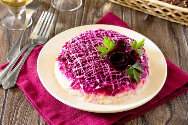 Легкий рыбный салат, вместо «Селедки под шубой»