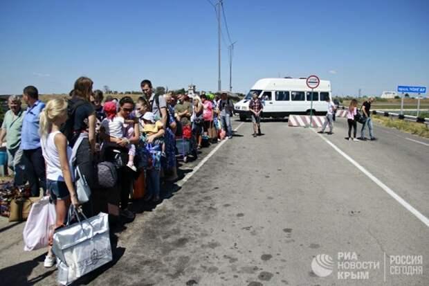 Украинцы ищут спасения в Крыму