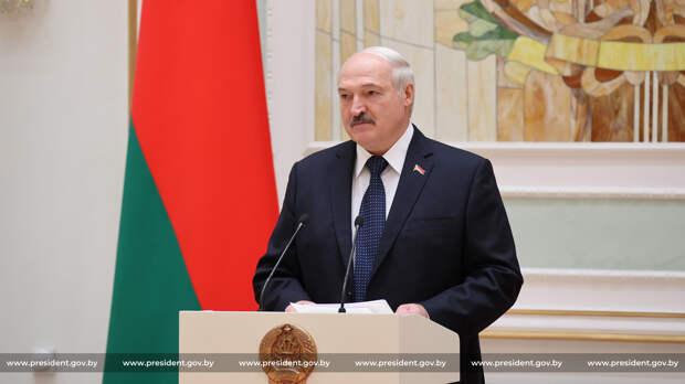 Лукашенко назвал российских артистов предателями (опрос)