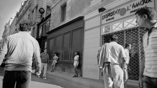 Труженицы секс-индустрии с улицы Сен-Дени. Фотограф Массимо Сормонта 2