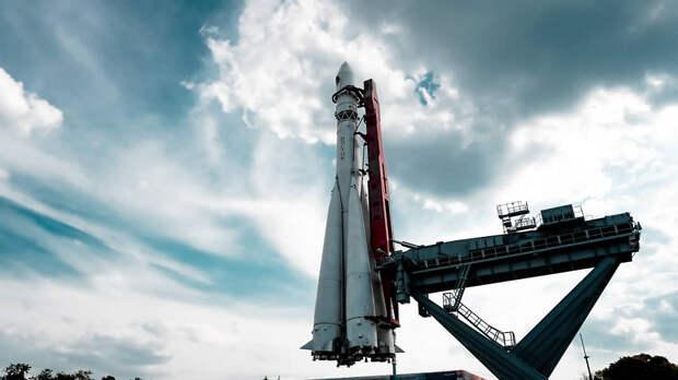 Полноразмерный макет ракеты-носителя «Восток» на ВДНХ