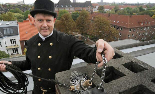 10 суеверий немцев. За стол нельзя садиться по 13 человек и есть орехи с 26 декабря по 6 января